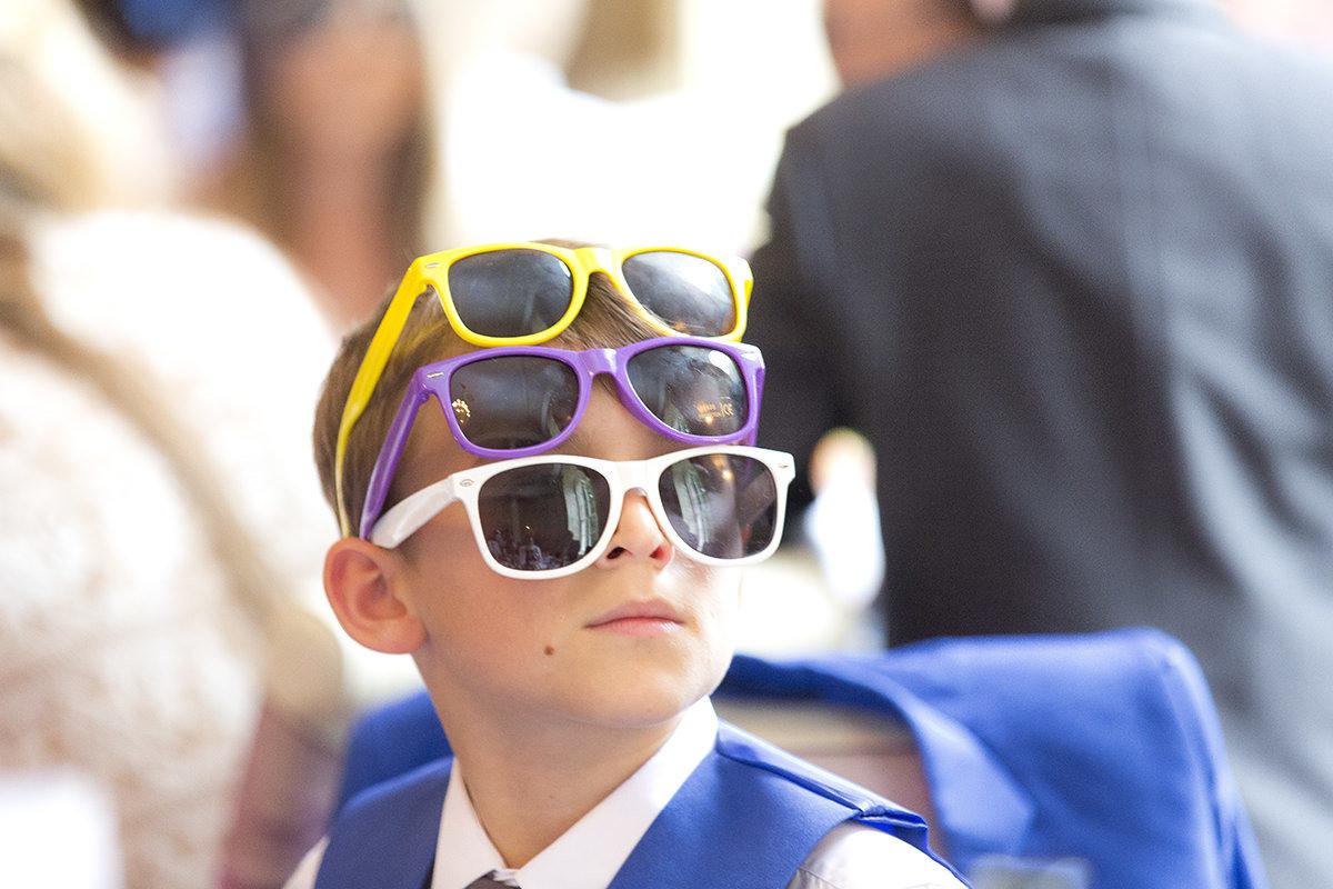3 glasses on head